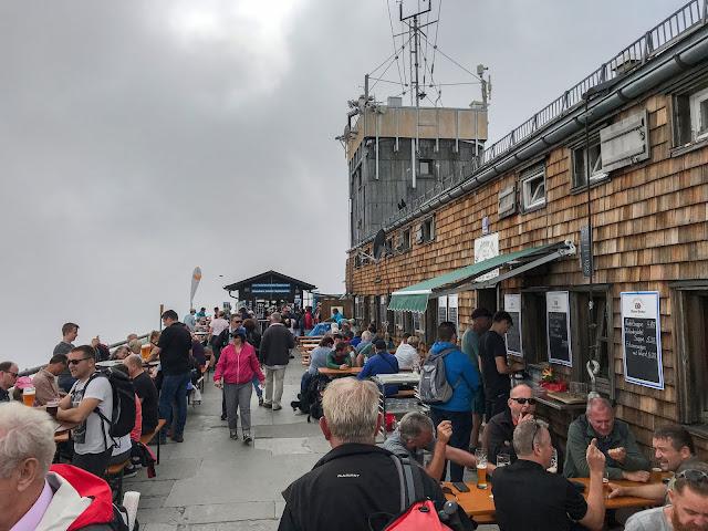 Übers Gatterl auf die Zugspitze  Alpentestival Garmisch-Partenkirchen   Gatterl-Tour auf die Zugspitze über ehrwalder Alm und Knorrhütte 16