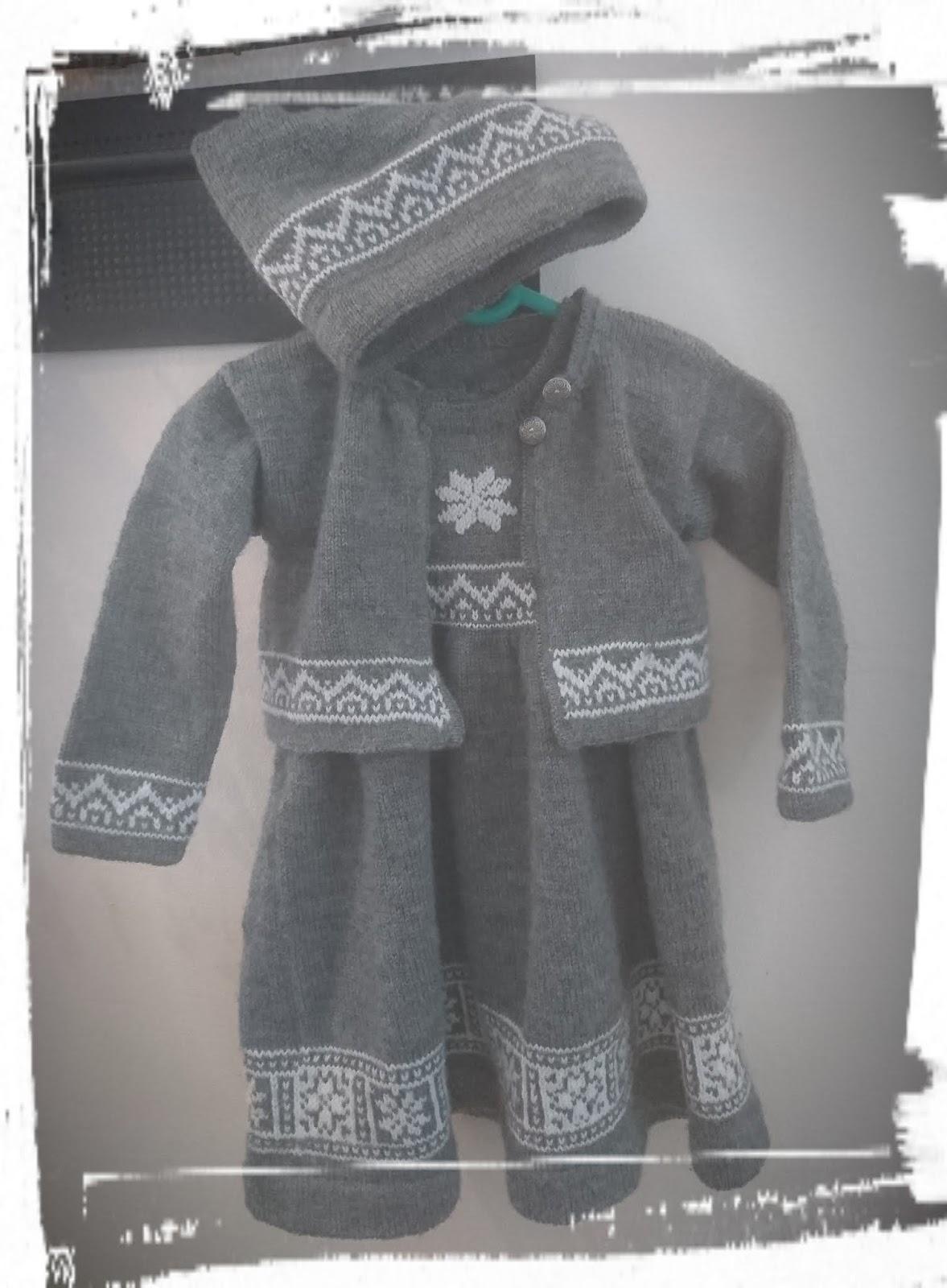 198c9dc2 Jakke, kjole og lue fra Dale Garn, strikket i orginalgarnet str 2 år 😉