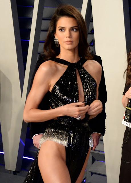 """Кендалл Дженнер (Kendall Jenner) на вечеринке после вручения """"Оскаров"""" в Беверли-Хиллз."""