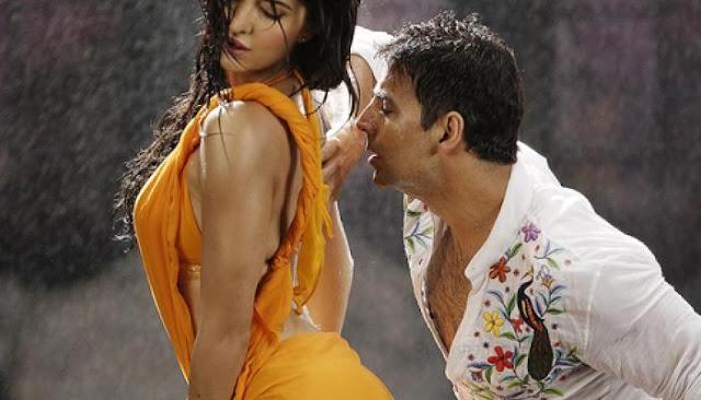 Hot Bollywood Holi images