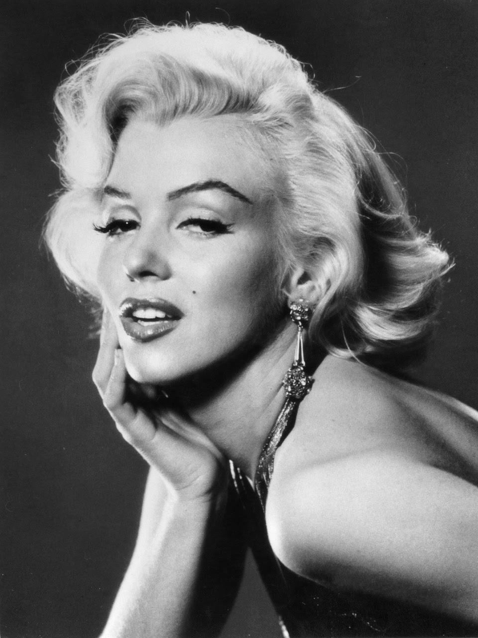 Marilyn Monroe Living Room Decor: Concierge4Fashion: Marilyn Monroe The Most Beautiful Woman