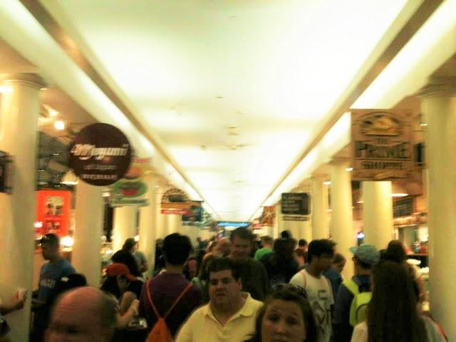 inside qunicy market boston | gurlayas.blogspot.com