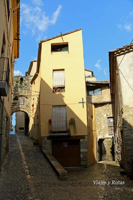 Portal de la Força, Besalú, Girona