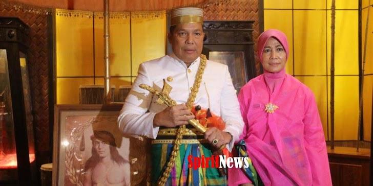 Kerajaan Bone Berikan Gelar Bangsawan Pada Kapolda Sulsel  Irjen Pol Drs Hamidin