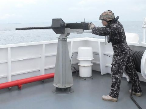 Berpotensi Kontak Senjata Saat Patroli, Bakamla Asah Kemampuan Menembak