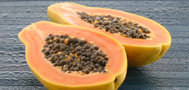 Papaya Seeds Detoxify Liver & Kidneys, Fights Cancer And Helps With Digestion