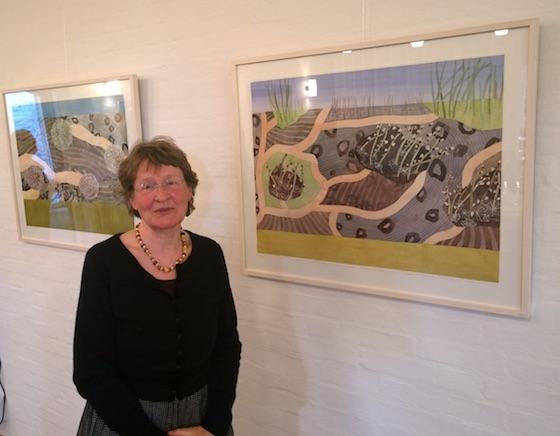 Nina Ferlov foran to af sine værker
