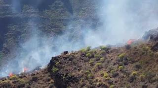 incendio barranco de los Azulejos, Mogán, controlado