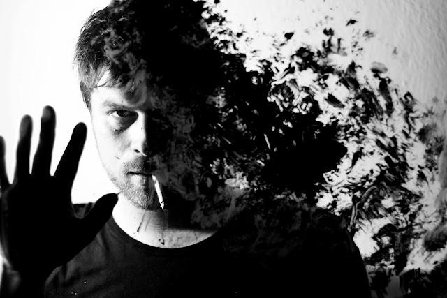 Charly Coombes lança Black Moon, dia 24, em São Paulo