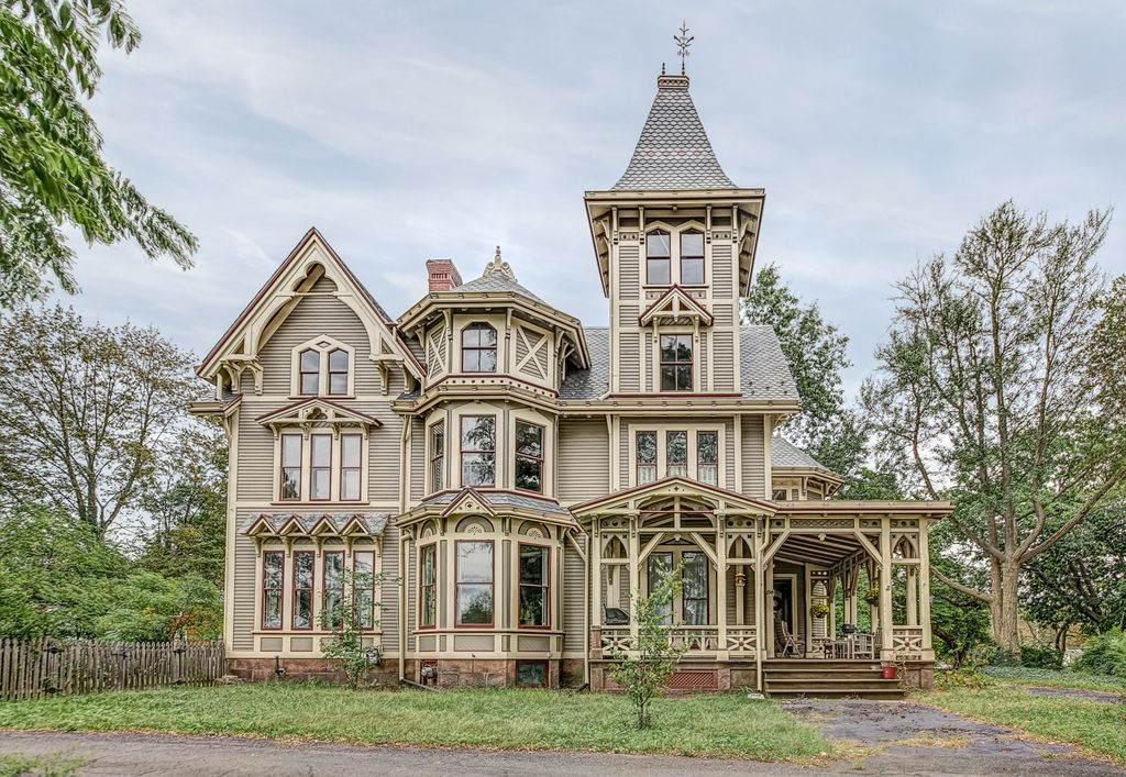 Chetstone 1876 Gothic Victorian In New Haven Connecticut