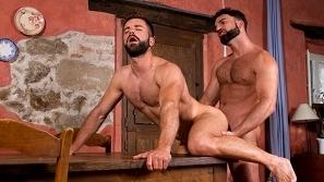 Hung Country – Abraham Al Malek & Hector de Silva
