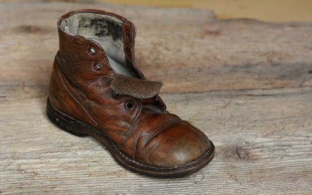 Cari Sepatu Kulit Berkualitas yang Murah, Disini Tempat Belinya