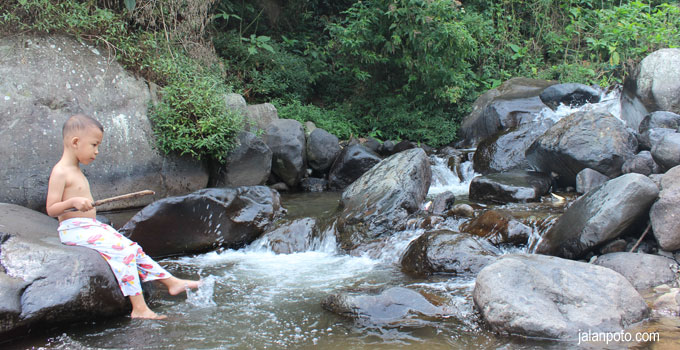 sungai gunung puntang