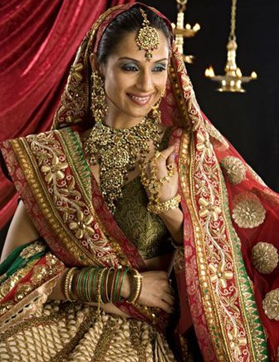 Berry\'s Journals: Look; Stunning Traditional Wedding Dress Around ...