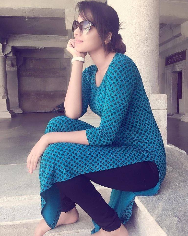 Girls Backside Gand Salwar  Big Pakistani Aunties 2018 -4998