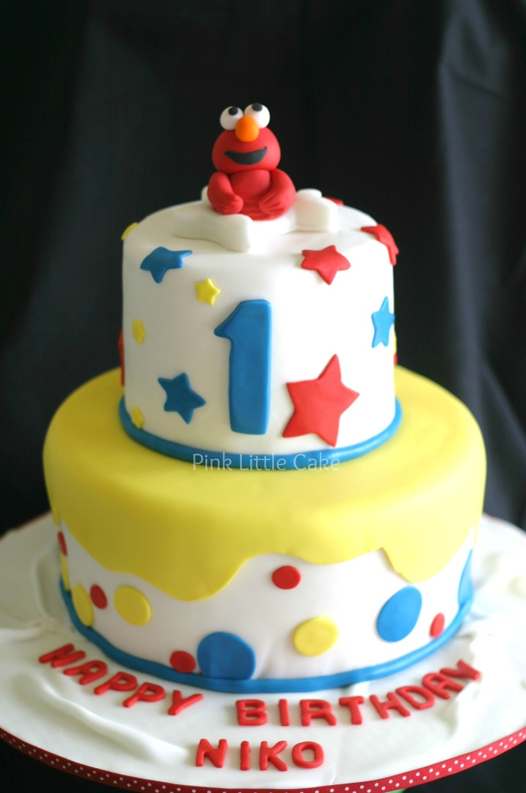 How To Make An Elmo Cake With Fondant