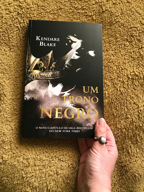 Um Trono Negro, Kendare Blake, Porto Editora