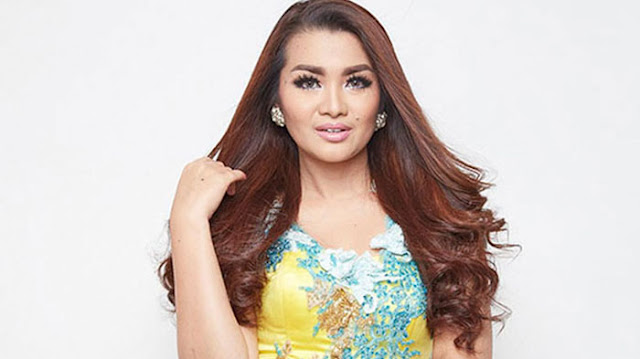 "Artis Cantik Pelantun Lagu ""ABG Tua"" Akan ""Goyang"" Sinjai di Kampanye Akbar SEHATI"