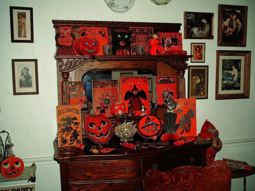 Vintage Halloween Collectibles 77