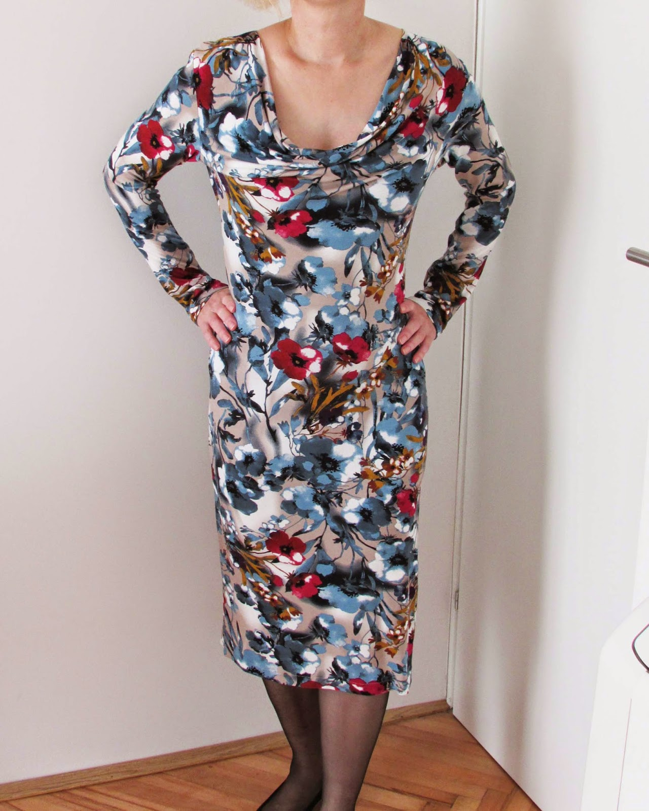 http://ladylinaland.blogspot.com/2015/03/cowl-neck-jersey-dress.html