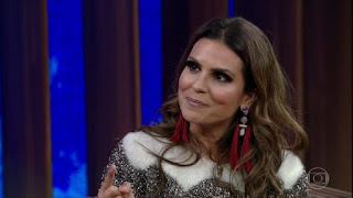Aline Barros pede silêncio ao público que  atacava  Bolsonaro durante entrevista
