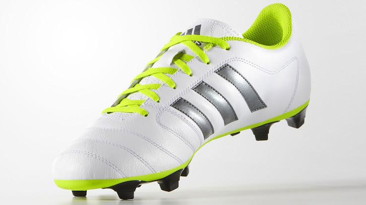 wholesale dealer 54da3 d33cf Giày đá bóng Adidas Gloro 15.1 là mẫu giày bóng đá duy nhất của Adidas thời  điểm này sử dụng chất liệu da Kangaroo siêu mềm ở vùng tiếp xúc bóng.
