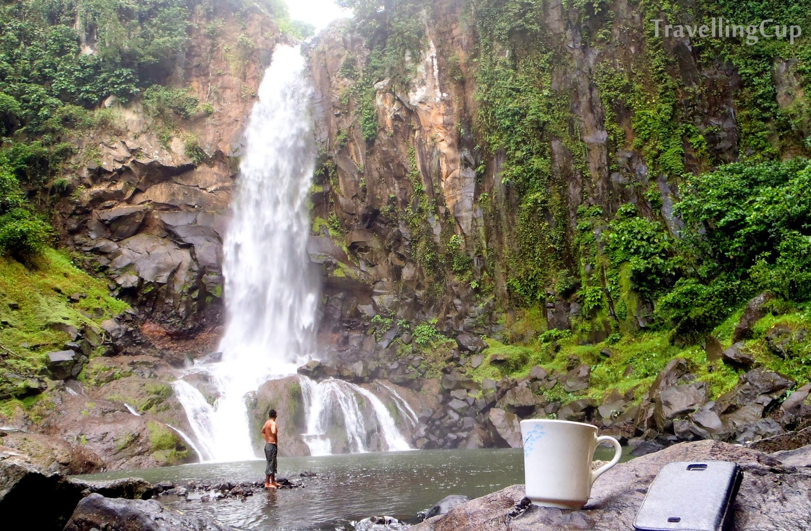 Water falls in Laguna