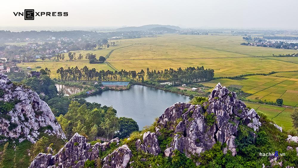 """Núi Trầm - """"cao nguyên đá Đồng Văn"""" ở ngay Hà Nội"""