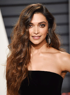 Deepika Padukone Open hairs Strapless Glittering Black Golden Gown At The Vanity Fair Oscar Party 2017 in LA