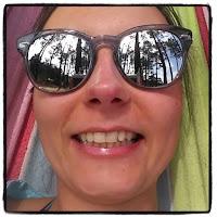 selfie hamac forêt de pins