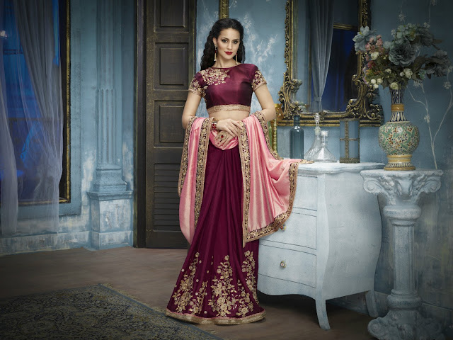 Necessary Accessories To Check When Wearing Designer Sarees