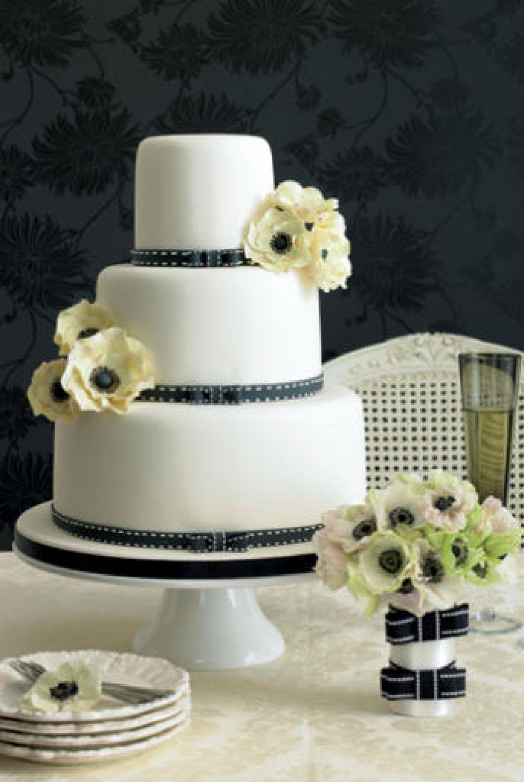 Purple Layer Wedding Cakes Design Ideas