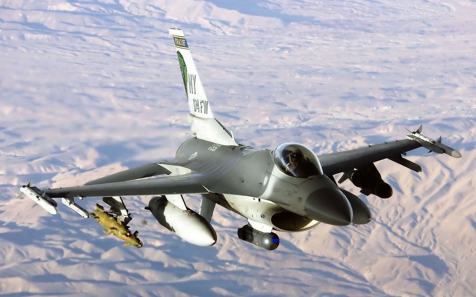 Wallpapers General Dynamics F 16 Fighting Falcon