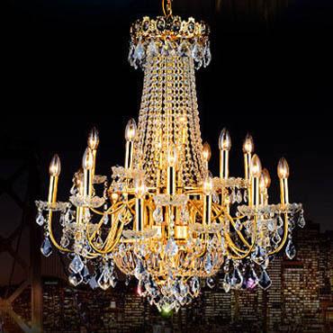 Kinh nghiệm chọn đèn chùm pha lê nến trang trí cho sảnh khách sạn