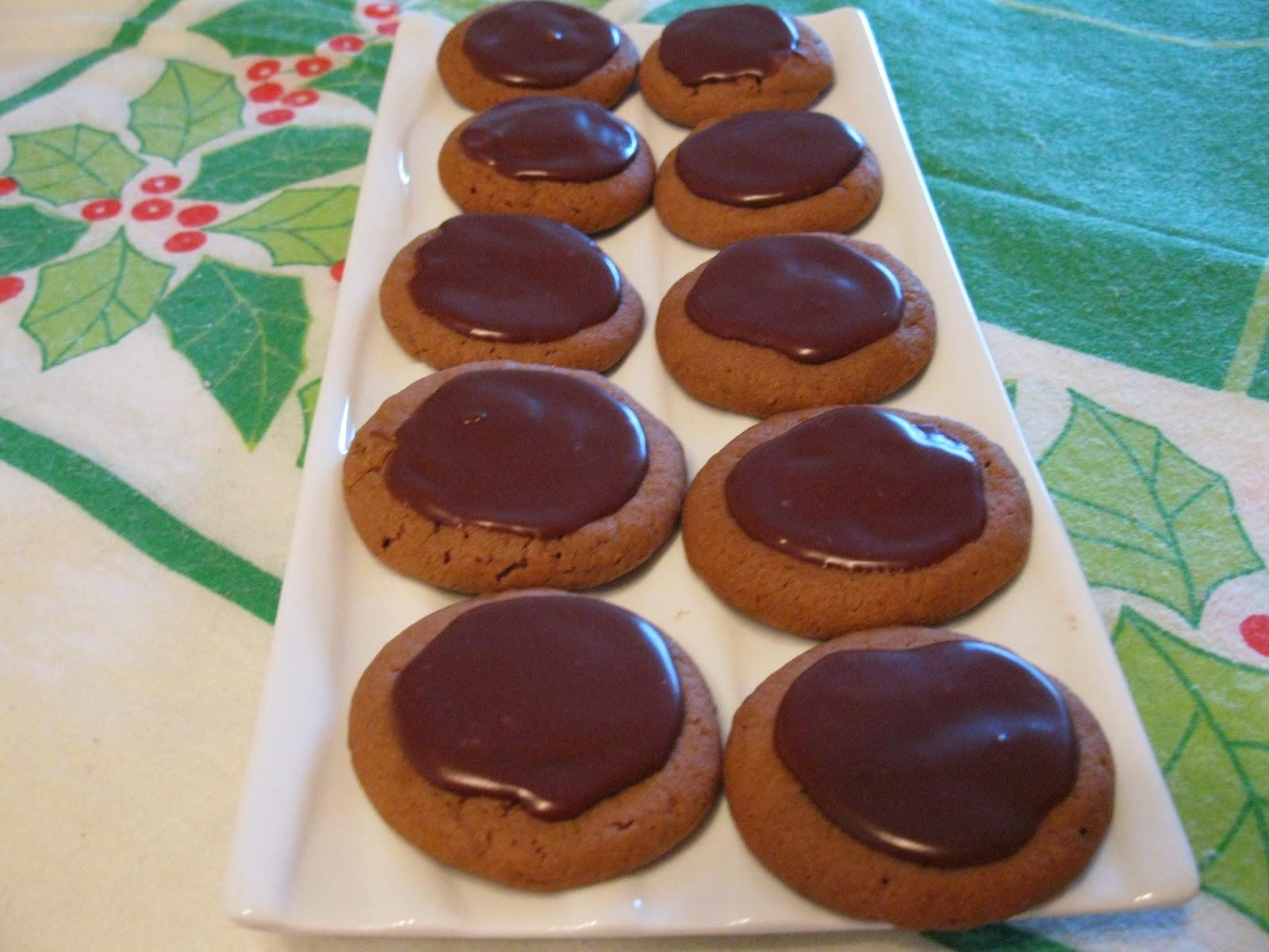 ma cuisine sans pr tention biscuits au beurre d 39 arachide glac s au chocolat. Black Bedroom Furniture Sets. Home Design Ideas