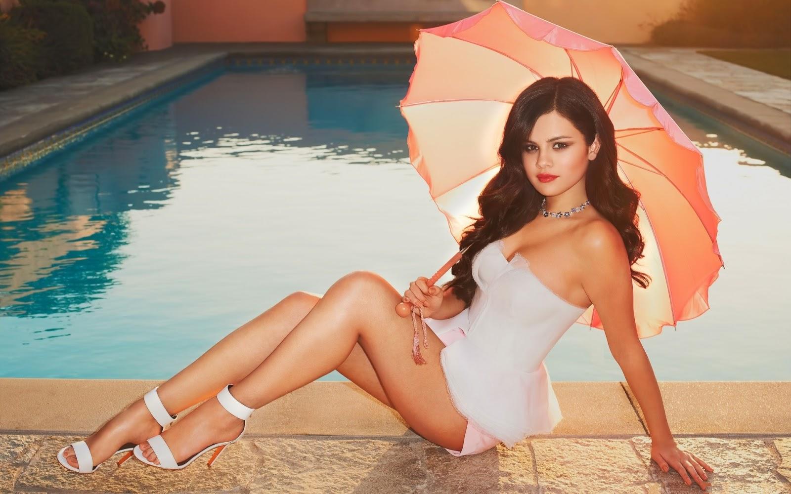 Beautiful Selena Gomez Wallpaper