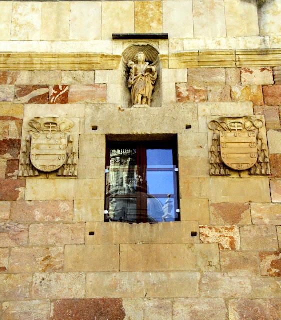 Fachada de la Facultad de Geografía e Historia Salamanca