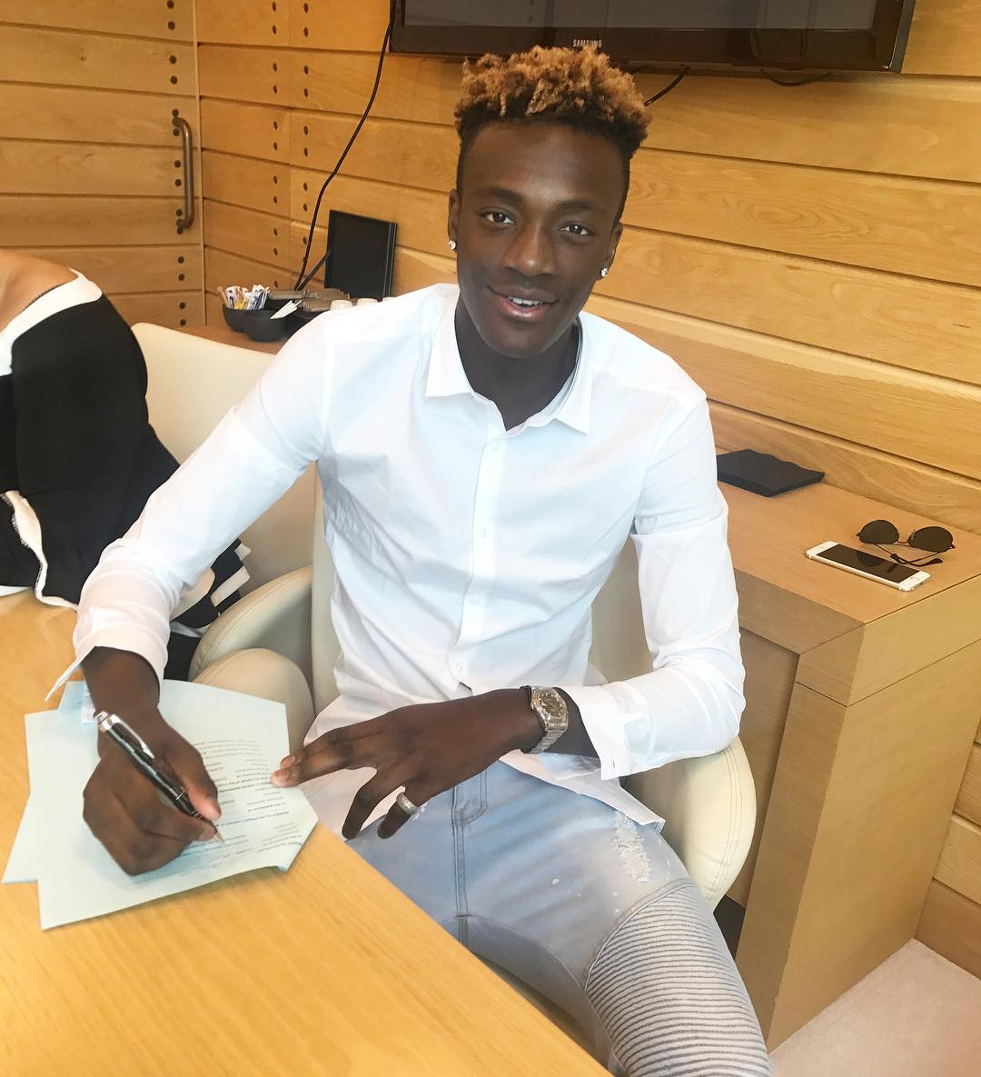 Tammy Abraham confirms loan move to Swansea