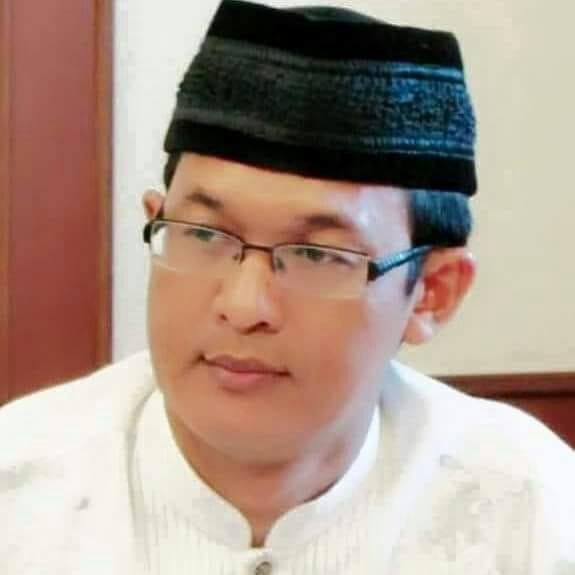 """Kyai Muda """"Ahmad Ishomuddin"""", Tegas Melawan Arus Politik yang atasnama-kan Islam"""