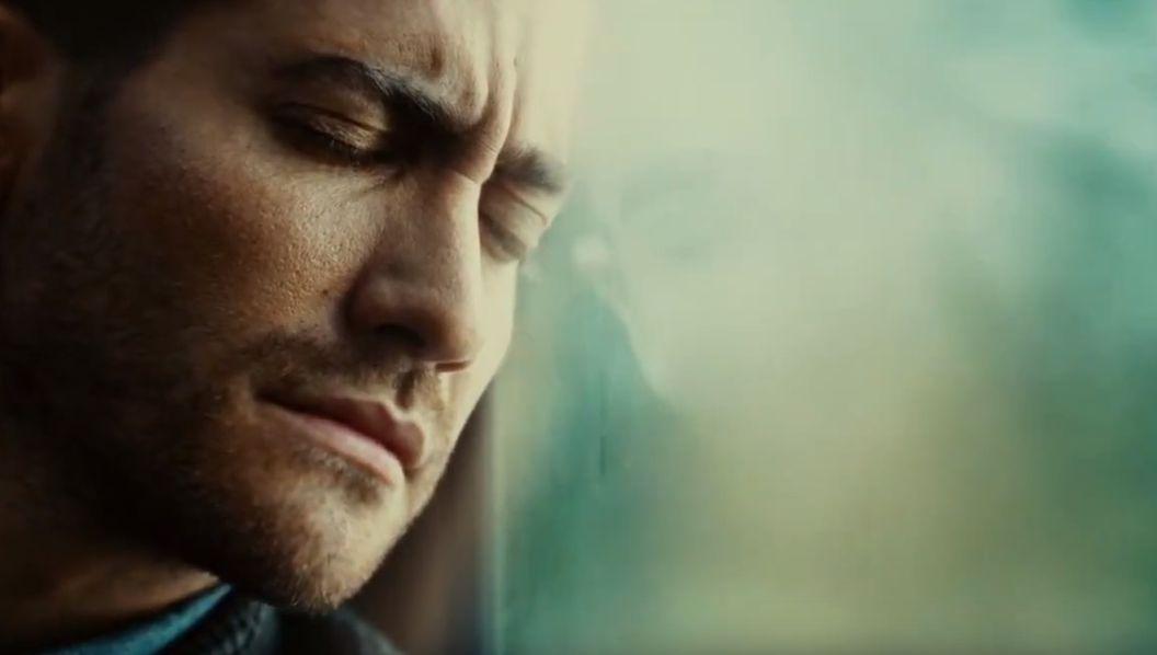Download Source Code (2011) Movie Screenshot