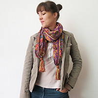 https://www.ohohdeco.com/2014/09/diy-tassels-scarf.html