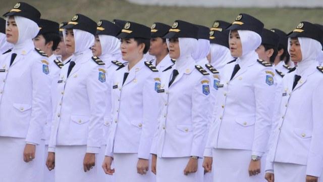 Baru Diteken, Aturan Pakaian Dinas dan Jilbab di Kemendagri Dicabut
