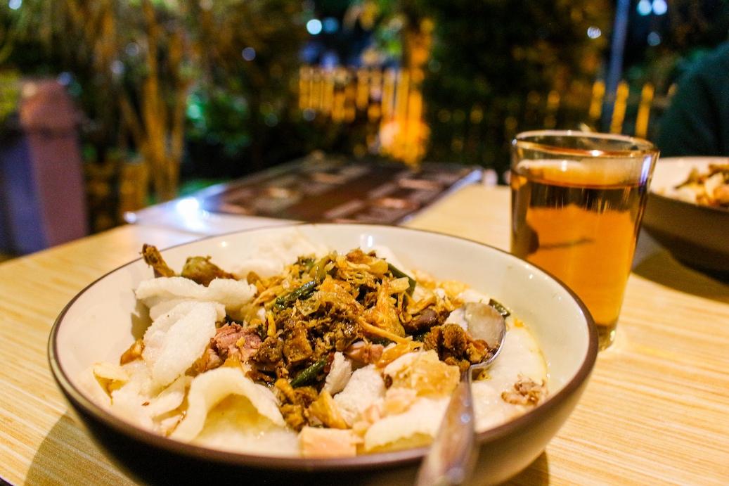 Ada Yang Spesial dari Bubur Ayam Bunut Siliwangi di Sukabumi?