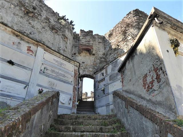 ingresso al ridotto del castello
