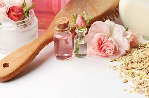 Préparation d'un nettoyant visage fait maison pour tous types de peau