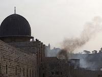 100 Pemukim Israel Serbu Masjid Al Aqsa