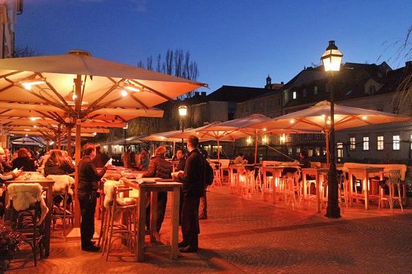 ljubljana terrasse ljubljanica nuit nocturne