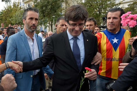 """الجهوية 24 - اسبانيا تتراجع عن مذكرة لإيقاف """"زعيم كتالونيا"""""""