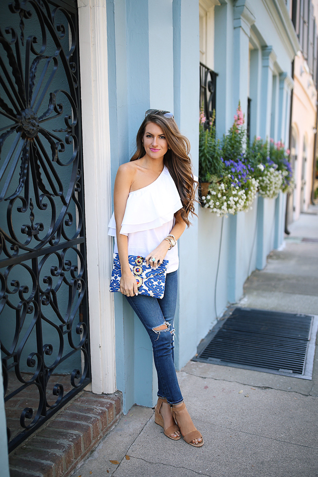 Southern Curls & Pearls e Shoulder Ruffles in Charleston
