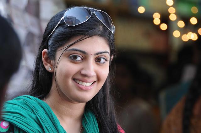 http://3.bp.blogspot.com/-kfPs1OC8zjI/Td4_IiVeGsI/AAAAAAAAOiY/4SfWTHCrZSg/s1600/Pranitha-+Cute-+Stills+-In-+Udhayan-+Movie-008.jpg